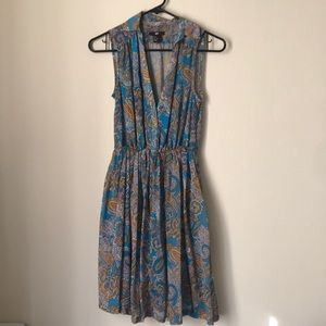 Beautiful paisley dress with a cinched waistband
